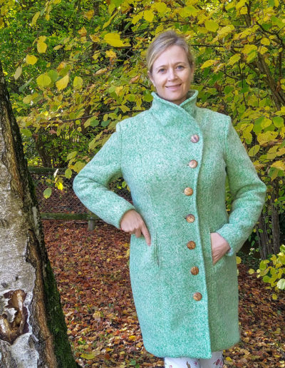 Mantel Natalja grün Gr. 42 mit FBA