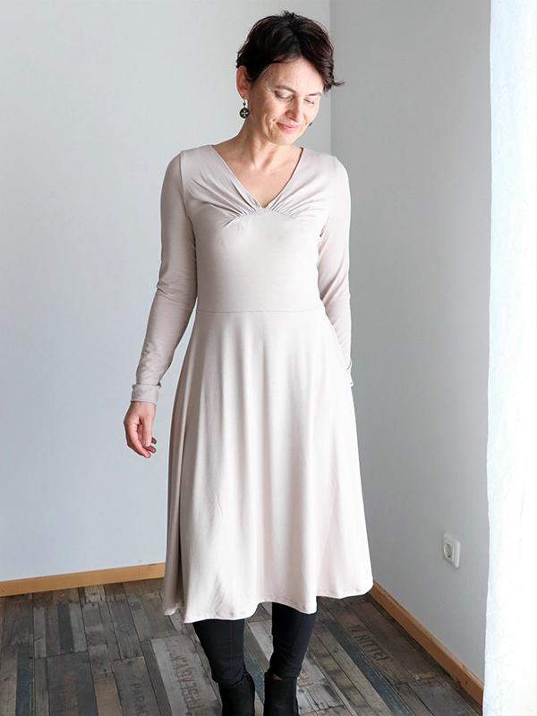 Yelda 38 Kleid Ausgestellt Langarm