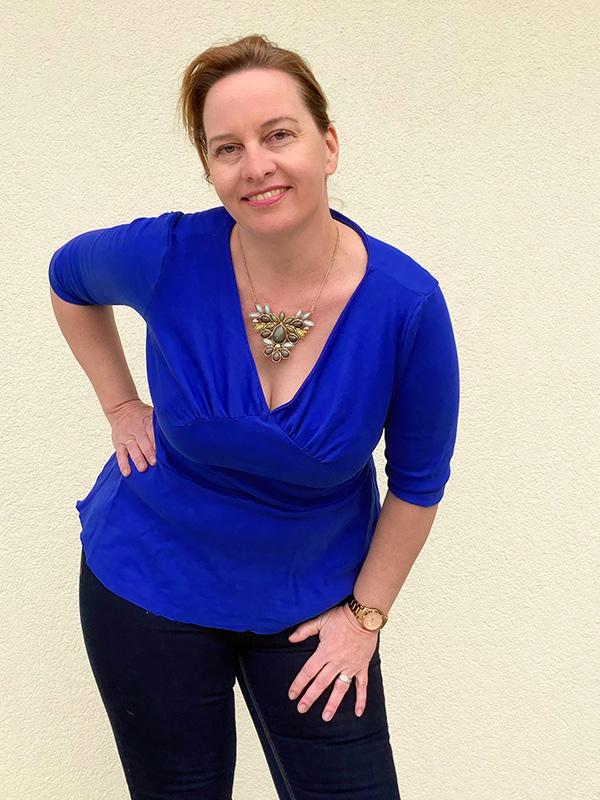 Yelda 42 44 Shirt 3 4 Aermel Schoesschen Blau Detail