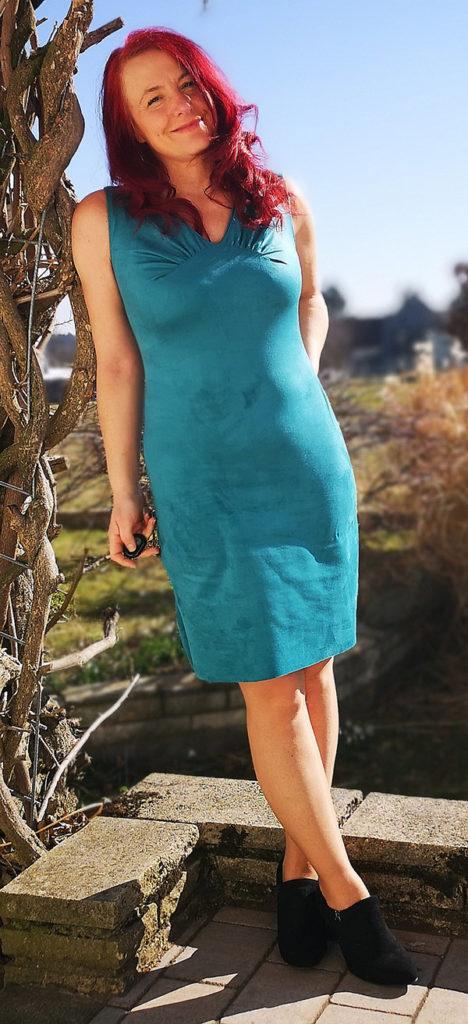 Yelda 42 Kleid ärmellos Kurz