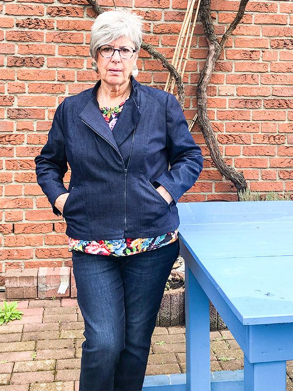 LOLA 46 Jeans Stehkragen
