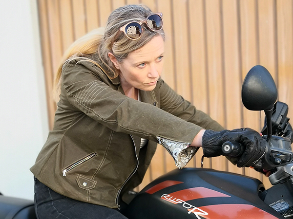 Lola 42 Mit FBA Oilskin Bike