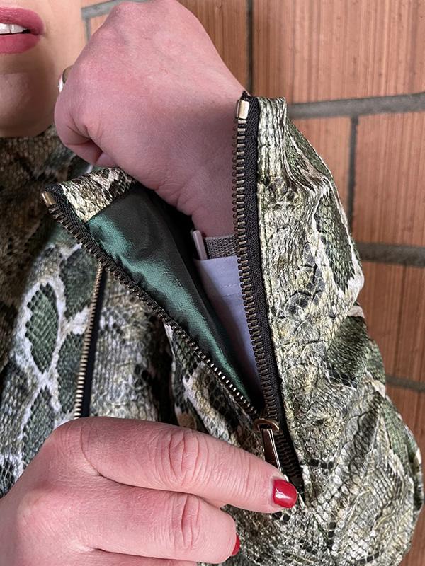 Lola 44 Detail Arm