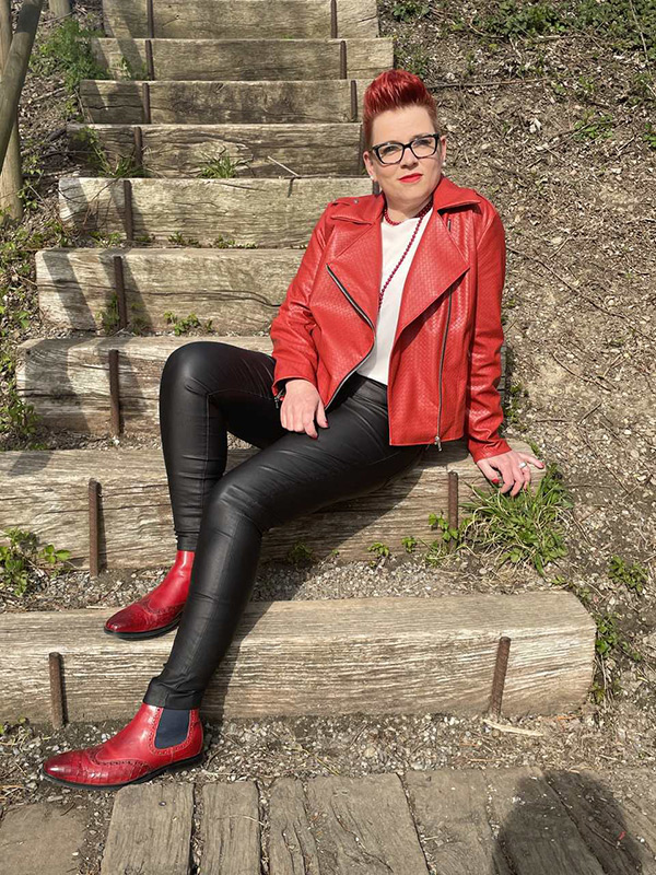 Lola 44 Rot Offen