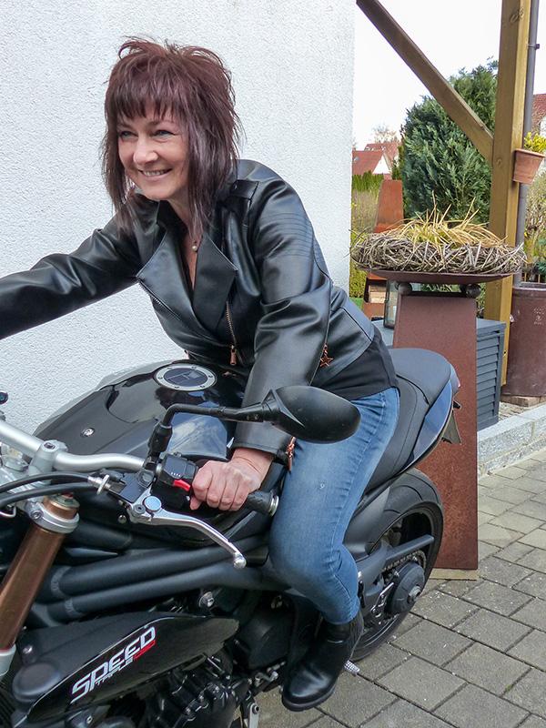 Lola 44 Schwarz Bike