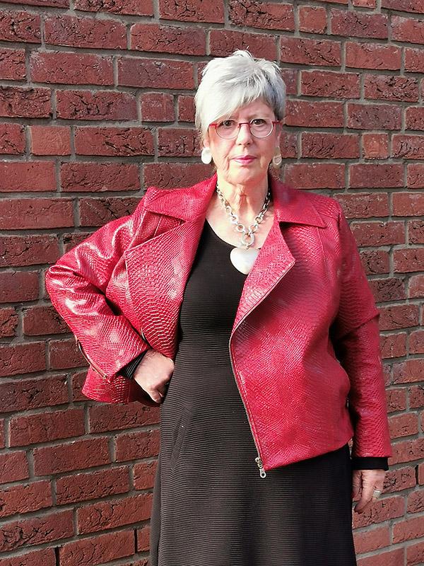 Lola 46 Kunsleder Rot Offen
