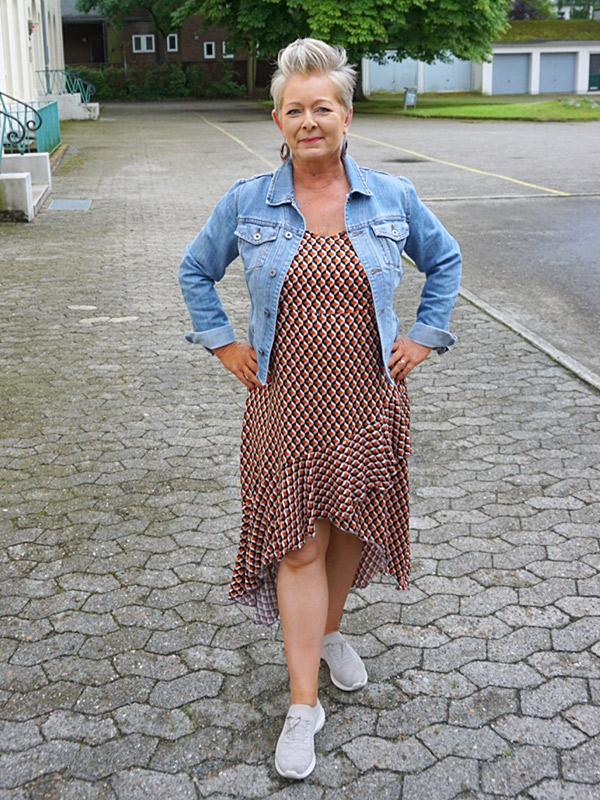 Lyana 46 Volant Gemustert Mit Jeansjacke